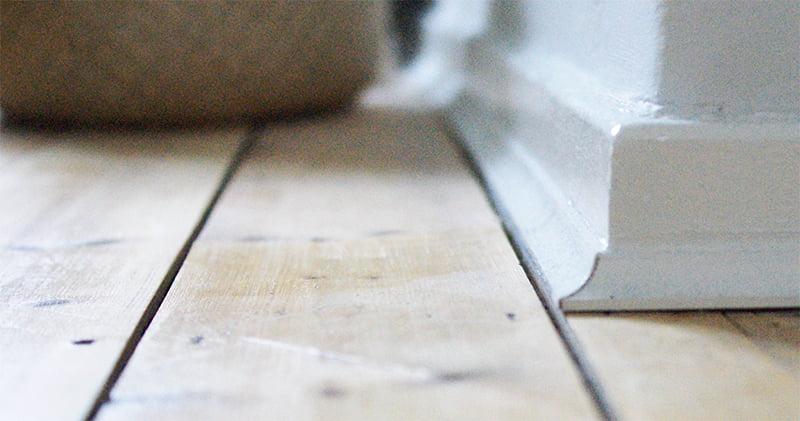 Laying Scotia Beading on Laminate Flooring